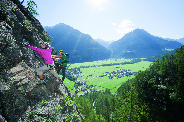Klettersteig Längenfeld : Klettersteige für faule hausbachfall bis hoachwool spiegel online
